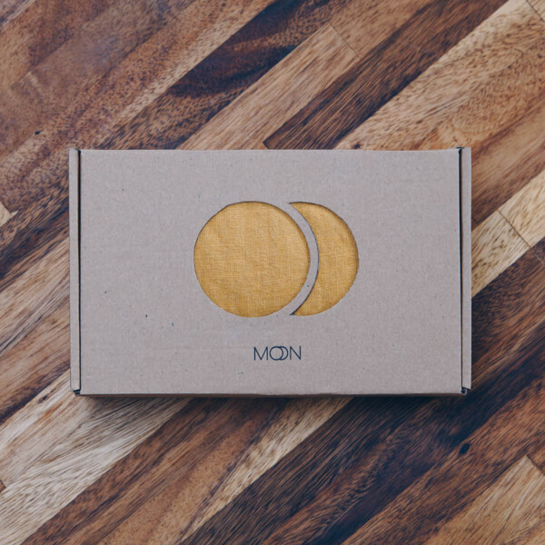 moonsling packaging - tailor-made boxes by packhelp