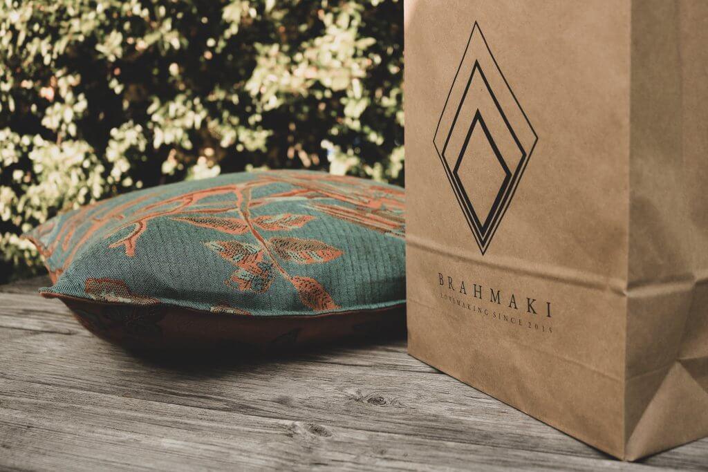 kraft paper bags for e-commerce designed by brahmaki